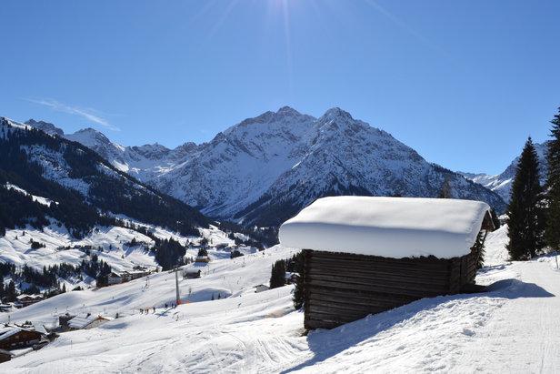 Raport śniegowy: duże opady śniegu w Austrii i Francji, warunki nadal bardzo dobre ©Kleinwalsertal Tourismus