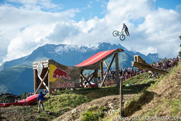 L'édition 2015 du CRANKWORX des 2 Alpes rassemblera les plus grands champions de vtt et s'annonce déjà commme un véritable show à l'americaine !