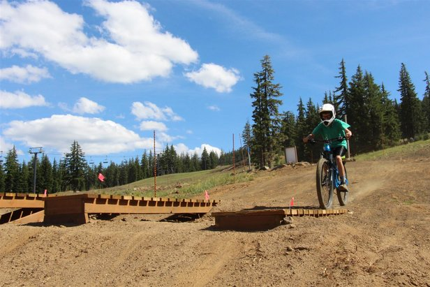 Side-by-side features at Mt. Bachelor allow mountain bikers to work up difficulty in progressions. - ©Mt. Bachelor Resort