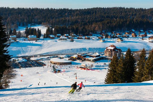 Quelques pistes de ski ouvertes dans le Massif Central, les Vosges et le Jura ©Station des Rousses
