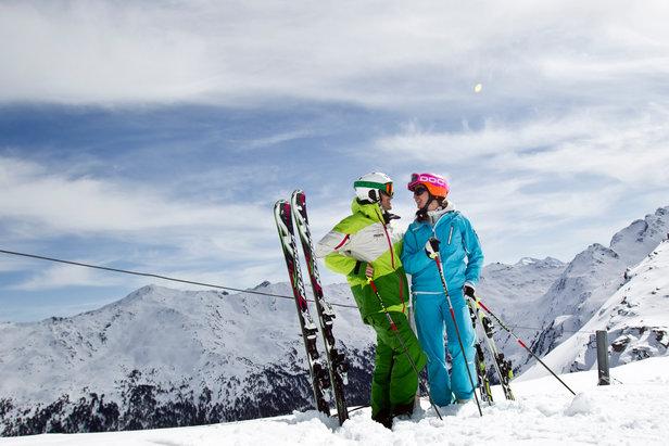 Rodelspaß, Pistenglück und ein funkelndes Winterwunderland im Herzen Tirols- ©Tourismusverband Region Hall-Wattens