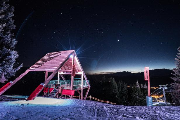 Ambiance nocturne sur l'espace Mille8