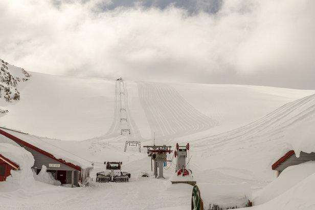 Ti meter snø på Fonna- ©Jan Petter Svendal