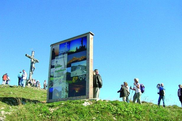 Das größte Gipfelbuch der Alpen am Neunerköpfle - ©Tourismusverband Tannheimer Tal