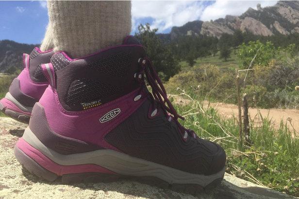 Women's Aphlex Mid Waterproof Boot