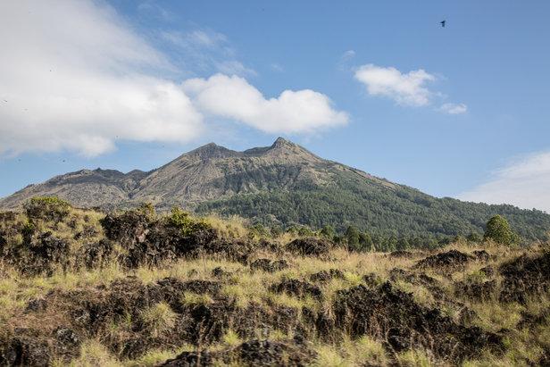 Nach der nächtlichen Tour ein Blick zurück auf der Batur am Morgen - ©Sebastian Lindemeyer