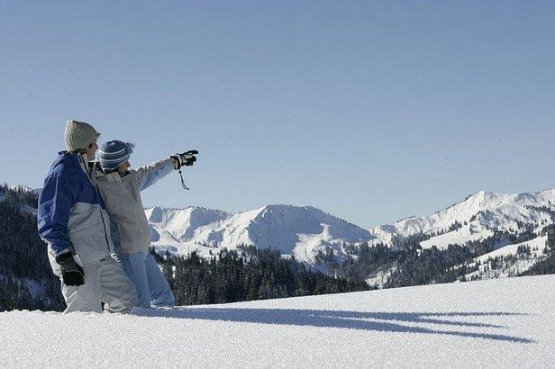 Die Hörnerdörfer sind auch traumhaft zum Winterwandern.  - © Hörnerdörfer