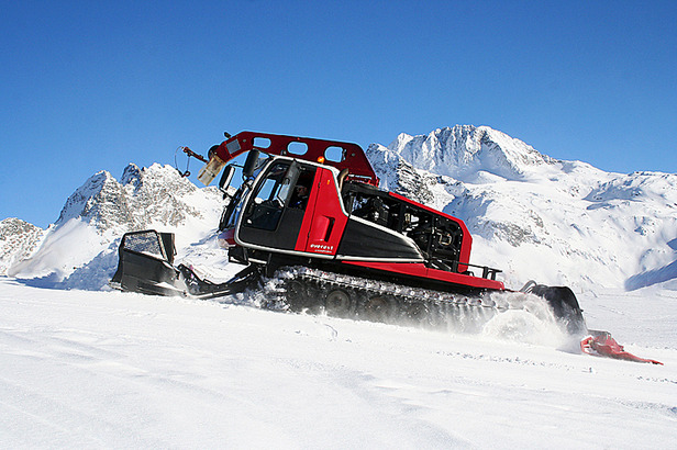 Traumjobs Graubünden: Heiko W. wird Pistenbully-Fahrer