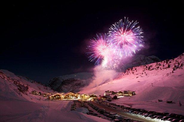 An Neujahr wird in Zürs ein Klangfeuerwerk der Extraklasse geboten  - © Lech Zürs Tourismus / Lisa Fail