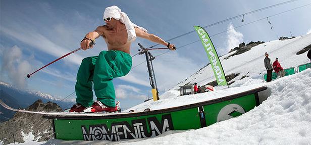 Summer ski camp : S'améliorer en ski et en snowboard dans une ambiance détendue et conviale...