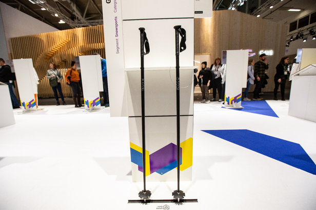 Beim Gold-Gewinner Kang Flax Pole wurde 70% des Carbons durch Flachsfaser ersetzt, was den CO2-Abdruck des Produkts stark verringert  - © Skiinfo