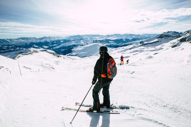 Spektakuläre Aussichten erwarten euch auf der Abfahrt vom Vorab hinab nach Lavadinas  - © Skiinfo | Sebastian Lindemeyer