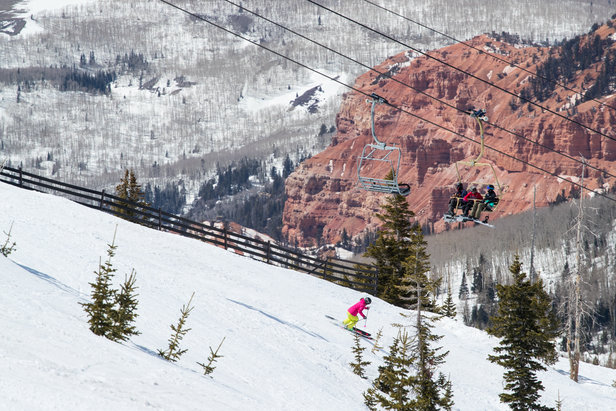 A ski backdrop of red rock only found in Utah.   - © Adam Clark