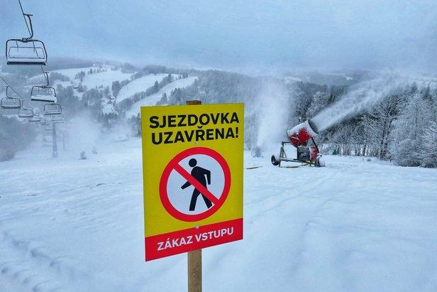 Ośrodki narciarskie w Czechach pozostaną dłużej zamknięte!
