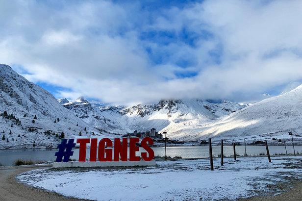 A Tignes, les quelques centimètres de neige tombés depuis début octobre permettent d'envisager l'ouverture du Glacier de la Grande Motte à partir du 19 octobre...