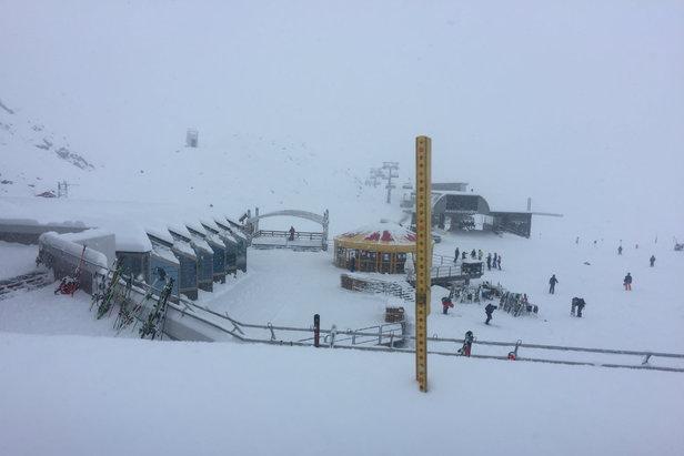 Z Pitztalu hlásili 5.11.2019 víc než 30 cm čerstvého sněhu  - © Pitztaler Gletscher