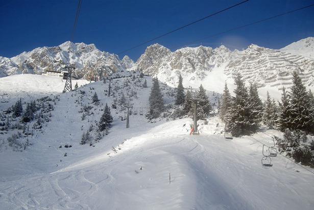 Skigebiet Innsbrucker Nordkettenbahnen: Skifahren über den Dächern Innsbrucks- ©Markus Hahn