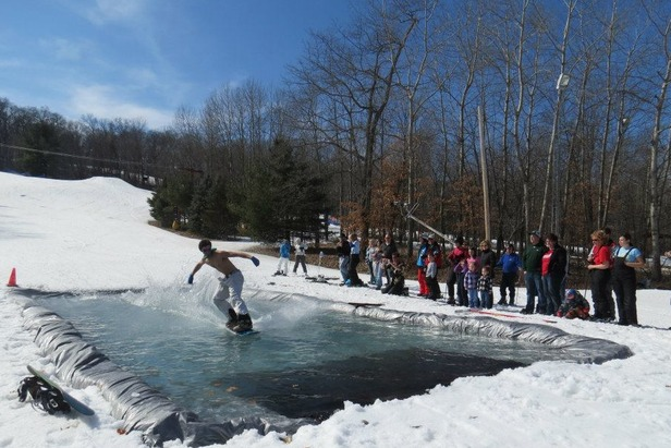 Pond Skimming at Nordic Mountain