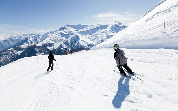 Skiing in Auron, Cote d'Azur Montagne