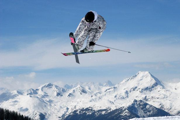 Freccia delle Nevi: offerta bus + skipass per sciare a Pila