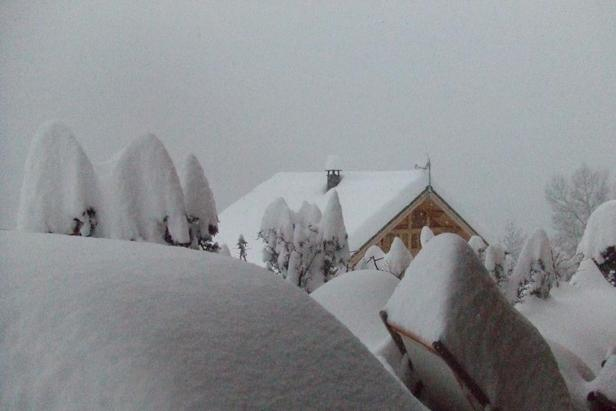 Huge snow dumps in the Alps Photo Gallery