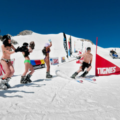 Bikini contest sur le domaine de ski d'été de Tignes - ©andyparant.com