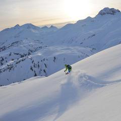 Freeriding mezi středisky Lech a Warth - © Sepp Mallaun / Vorarlberg Tourismus