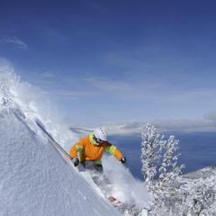 Season Pass Deals Up for Grabs in the West - ©Corey Rich / Heavenly