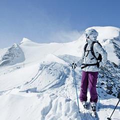 Čím se liší lyžování na ledovci od sjíždění sousedního kopce? A co od toho můžete očekávat? - ©Gletscherbahnen Kaprun AG