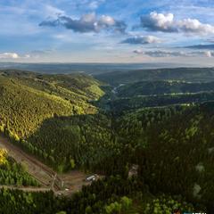 Tip na léto: 5 lanovek v Krušných horách vás doveze za turistikou i zábavou - ©Skiareál Klínovec