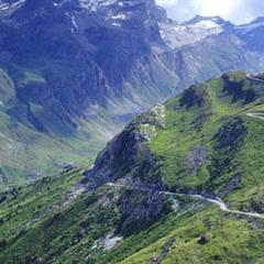 Get on your bike in the Rhone Alps - ©Savoie-Mont-Blanc
