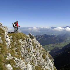Wandern auf dem König-Ludwig-Weg - © Füssen Tourismus und Marketing / www.guenterstandl.de