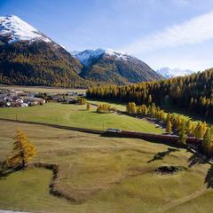 Rhätische Bahn bei Samedan - © Graubünden Ferien | Andrea Badrutt