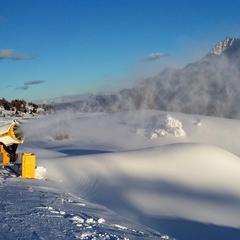 Tonale - nízke teploty umožnili znova spustiť snehové delá a technické zasnežovanie. - © Tomasz Wojciechowski