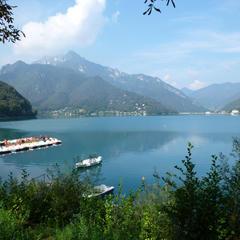 Seen im Trentino: Baden in den Bergen  - © Armin Herb