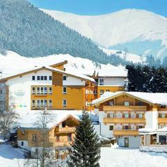 Zaplanuj idealny urlop na nartach z dziećmi - ©Kinderhotels Europa