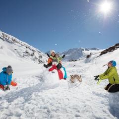 Zimná rodinná zábava na snehu - Livigno - © Roby Trab