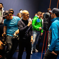 Felix Neureuther bei der Produktpräsentation am Stand von ABS auf der ISPO 2020 - © Skiinfo