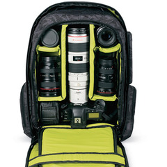 The best photo gear for budding ski & snowboard photographers - ©DAKINE
