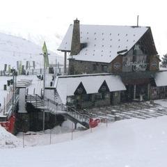 Las estaciones que gestiona el  Grupo Aramón abrirán 233 kilómetros esquiables en el Puente de Reyes - ©Aramón