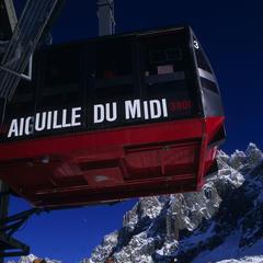 Départ pour l'Aiguille du Midi... - © Chamonix Tourism