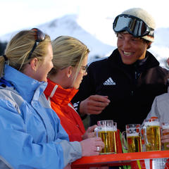 The beer is too dear say UK skiers - ©Albin Niederstrasser/Hinterglemm