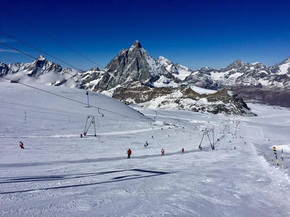Clear skis in Cervinia Oct. 31, 2016