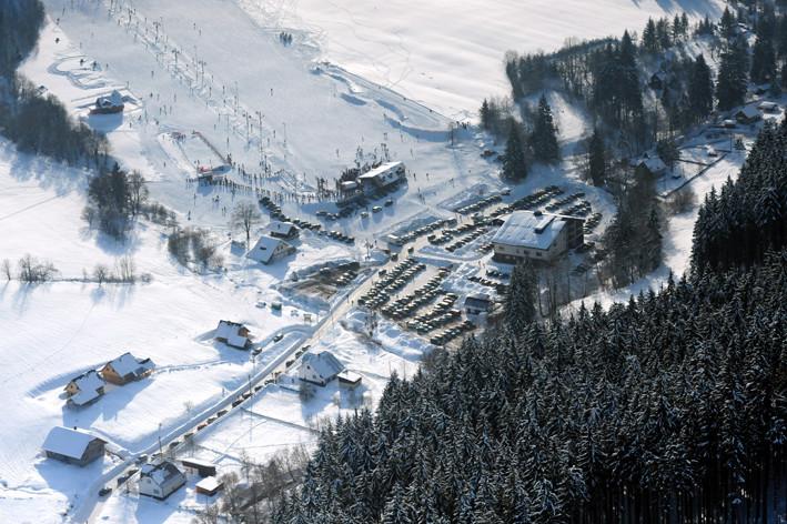 Ski Makovundefined