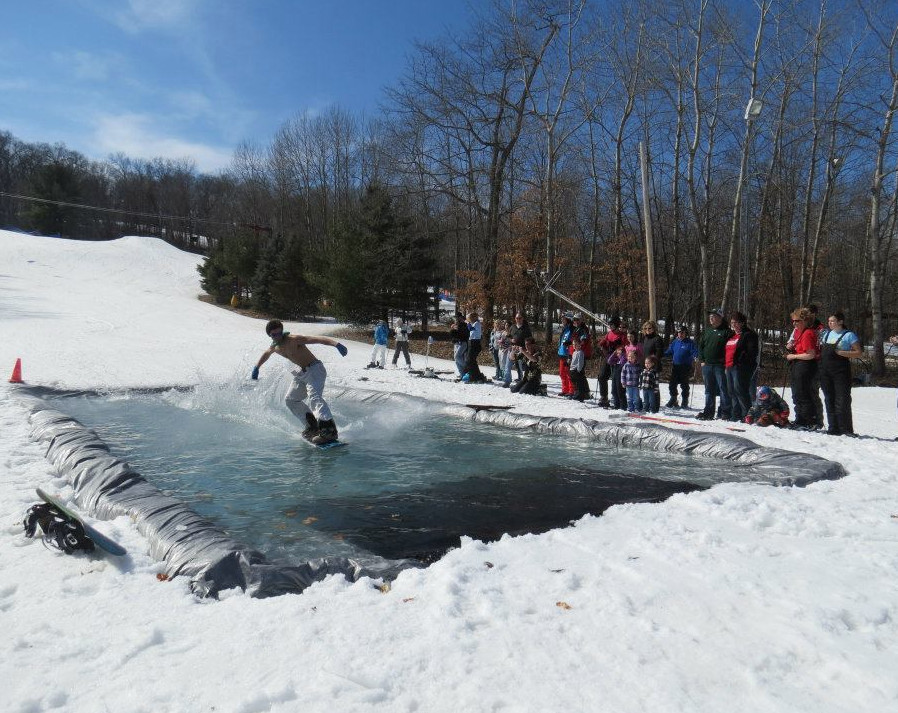 Pond Skimming at Nordic Mountainundefined